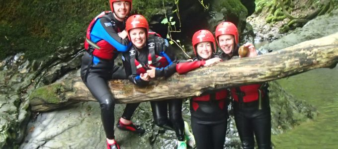 what to wear gorge walking